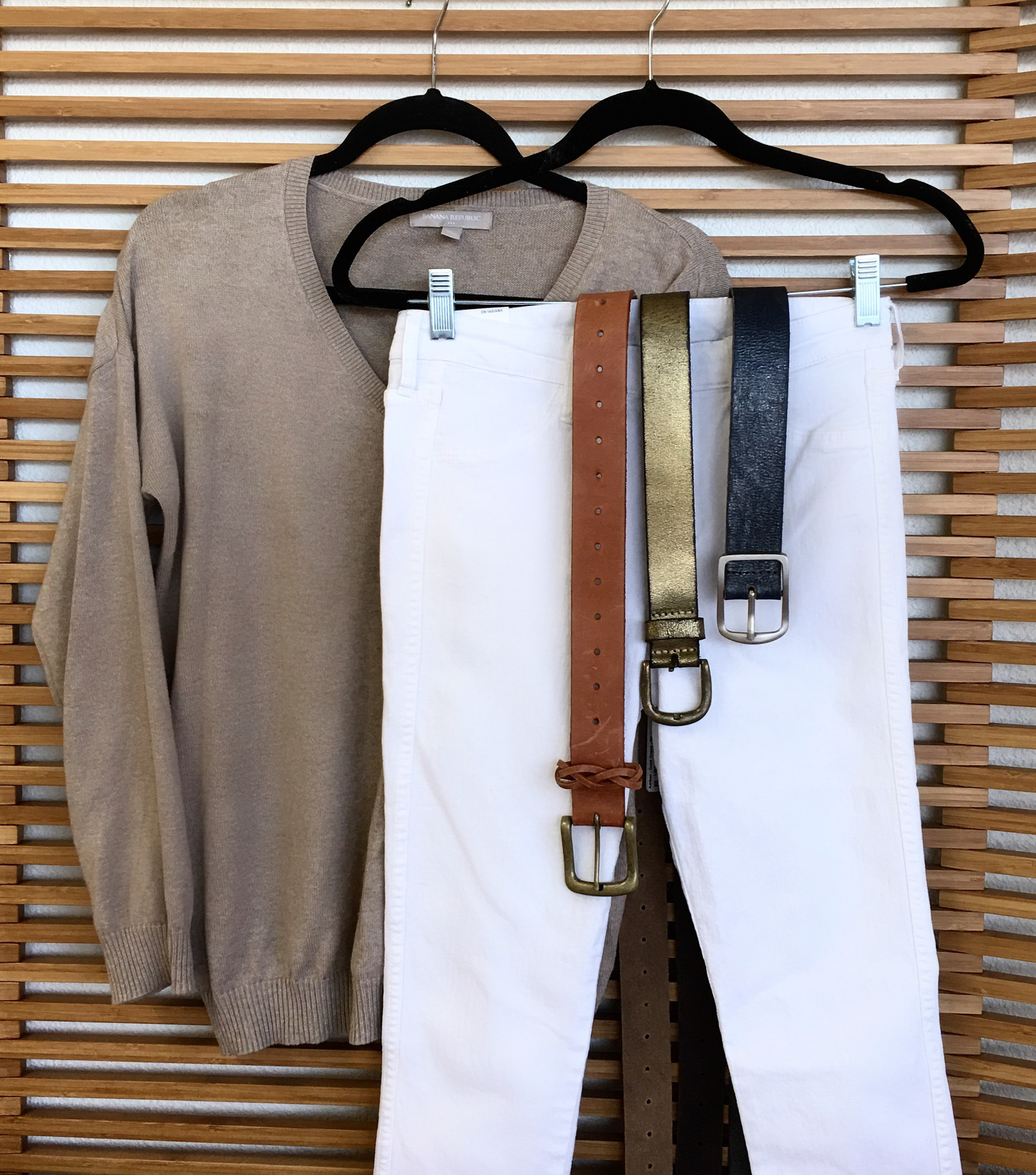 White jeans | Outfit | ADA belts | Gold belt | Black belt | Tan belt | Genuine leather | Sweater | ADA Blog
